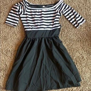 Small black and white stripped dress, tie in back